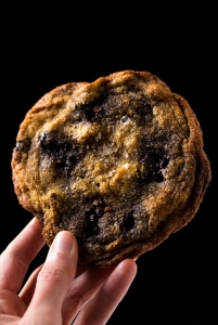 Gluten-Free-Keto-Chocolate-Chip-Cookies-by-Gnom-Gnom-1